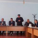 Выступает представитель айыл окмоту в семинаре Кожо-Кайыр